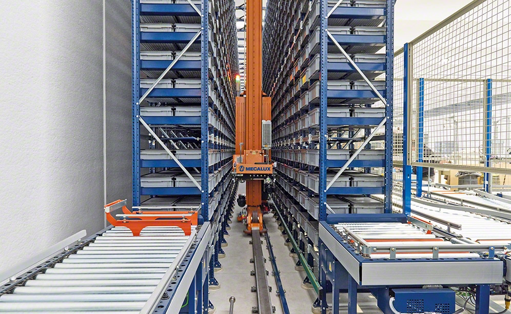 The automated warehouse for boxes of Paolo Astori in Italy
