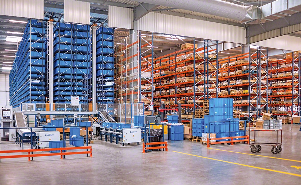 The new Grégoire-Besson distribution centre consists of an automated warehouse for boxes, pallet racking and cantilever racking