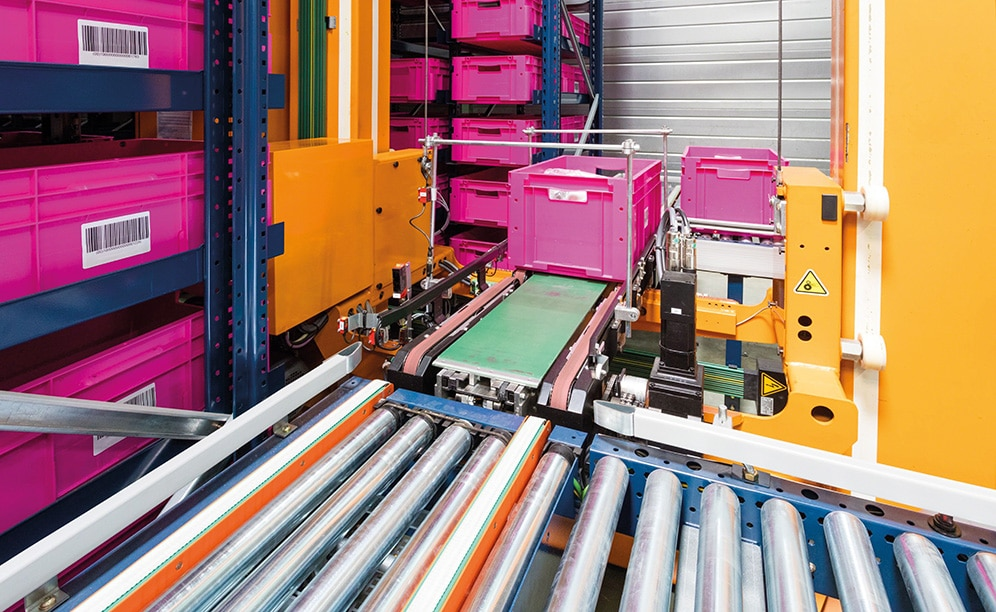 The company has relied on the automation offered by the Mecalux miniload warehouse for boxes to manage the logistics process of its centre located in France