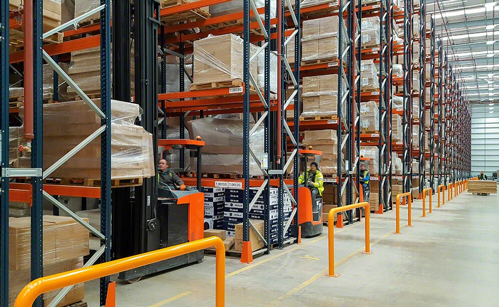 Pallet racks for furniture and décor items at the new Dwell & DFS warehouse