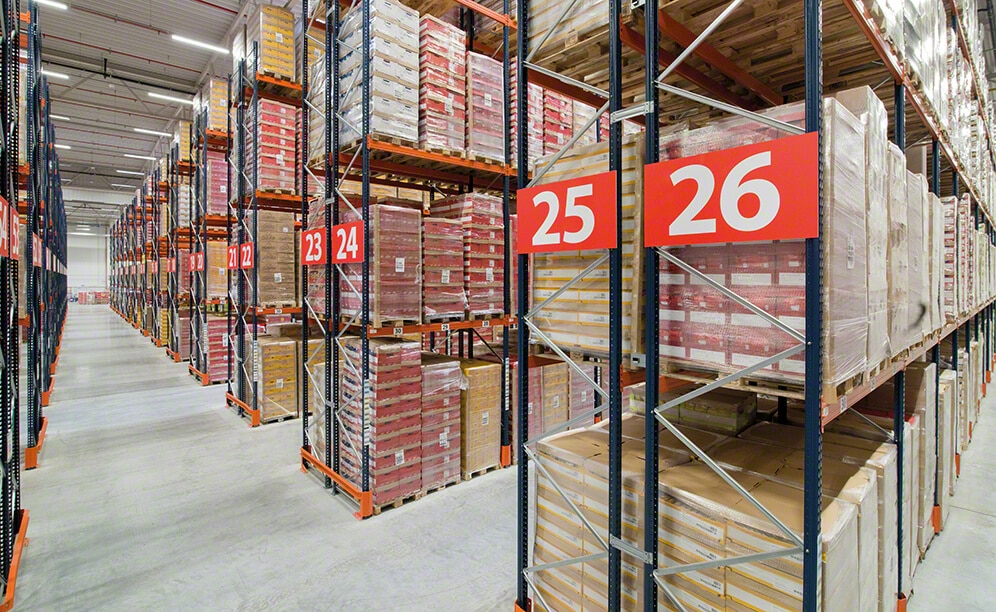 The snack producer and distributor Lorenz Snack-World achieves a capacity for 6,560 pallets with pallet racking