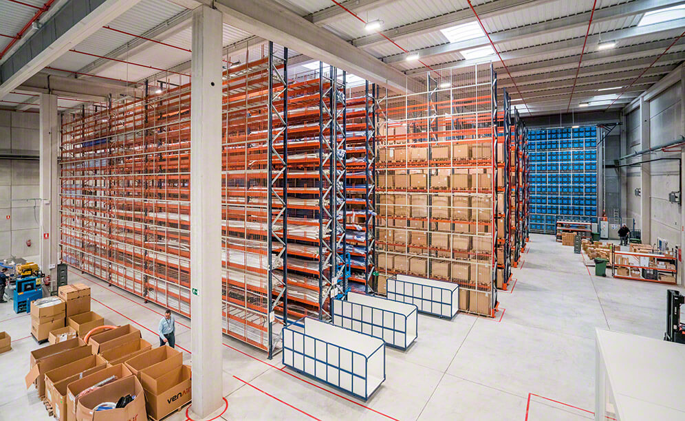 Triple storage solution: the Venair distribution centre