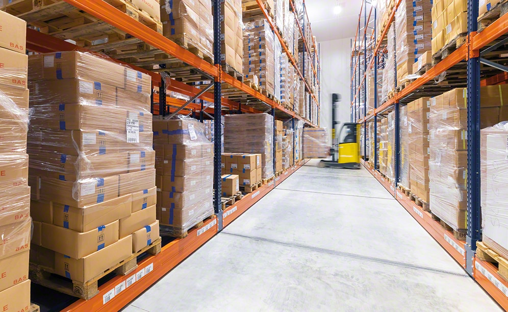The efficiently run frozen foods storage warehouse of Sabarot in France