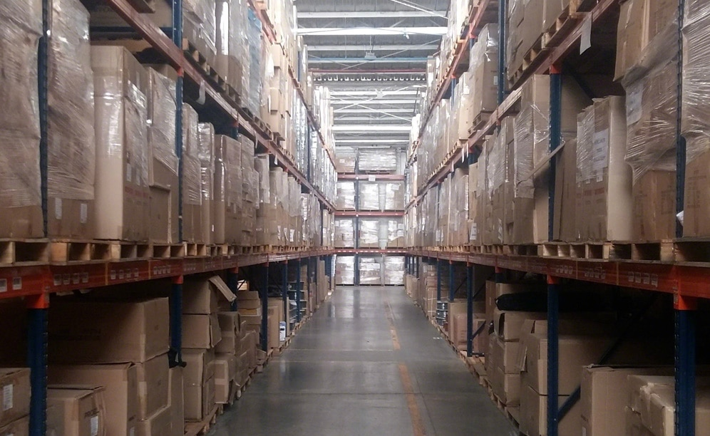The warehouse of a musical instruments shop with Easy WMS of Mecalux