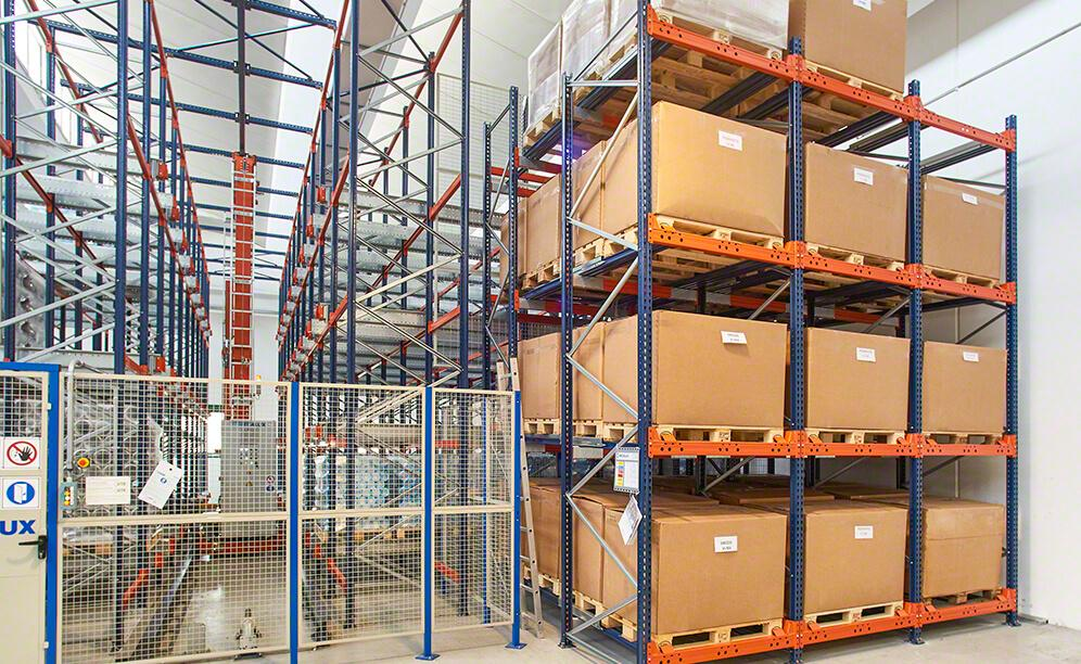 The Pallet Shuttle uses warehousing surface area to achieve high capacity