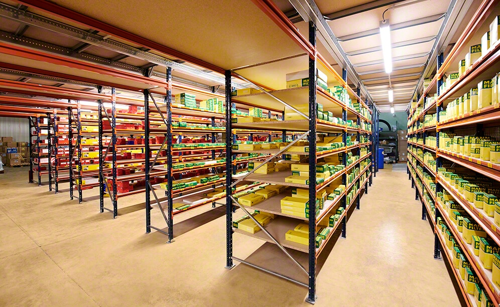 Shelving for picking that speeds up order fulfilment of spare parts