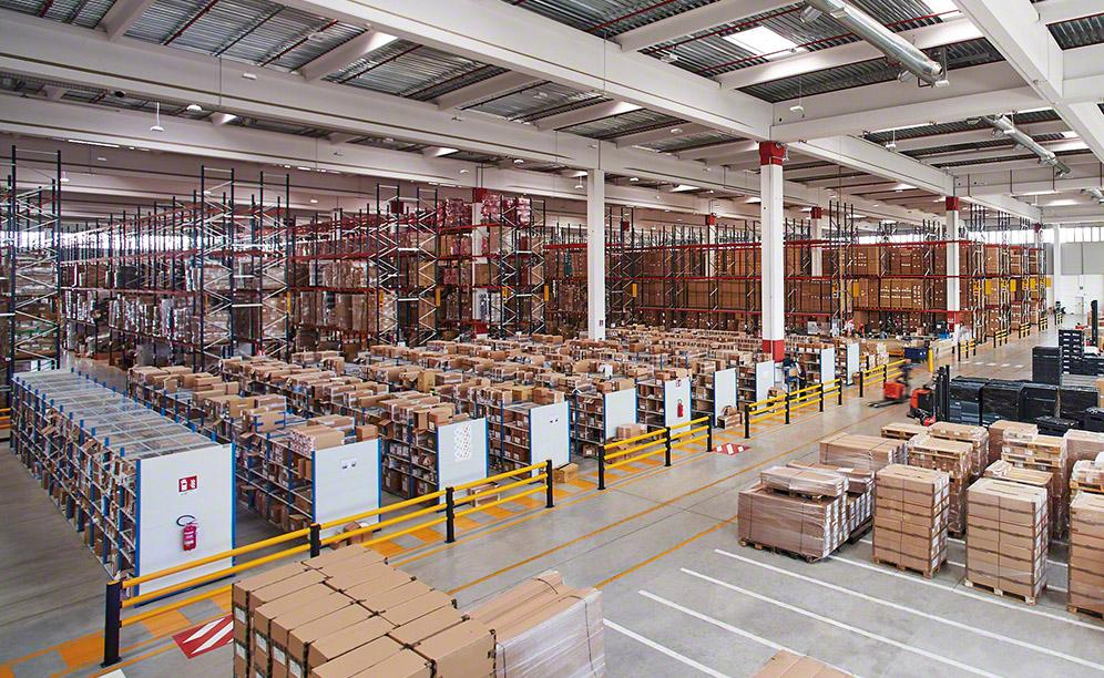The warehouse of Decathlon in Basiano with capacity for 14,234 pallets