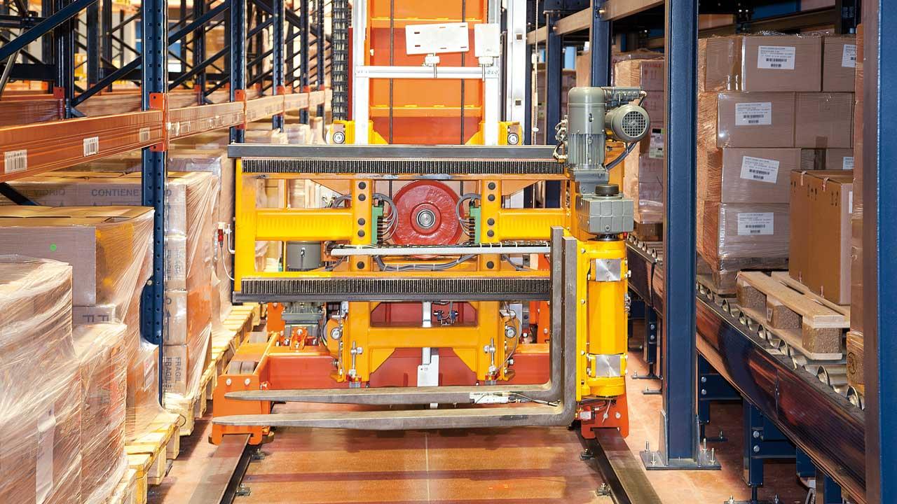 Success story Automatic Trilateral Stacker Cranes: Disalfarm