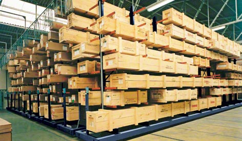 Cantilever racks on mobile bases