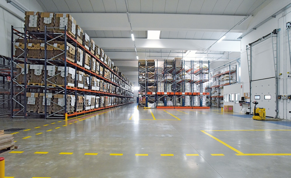 Mecalux supplied five storage systems that share a 4,500 m² space