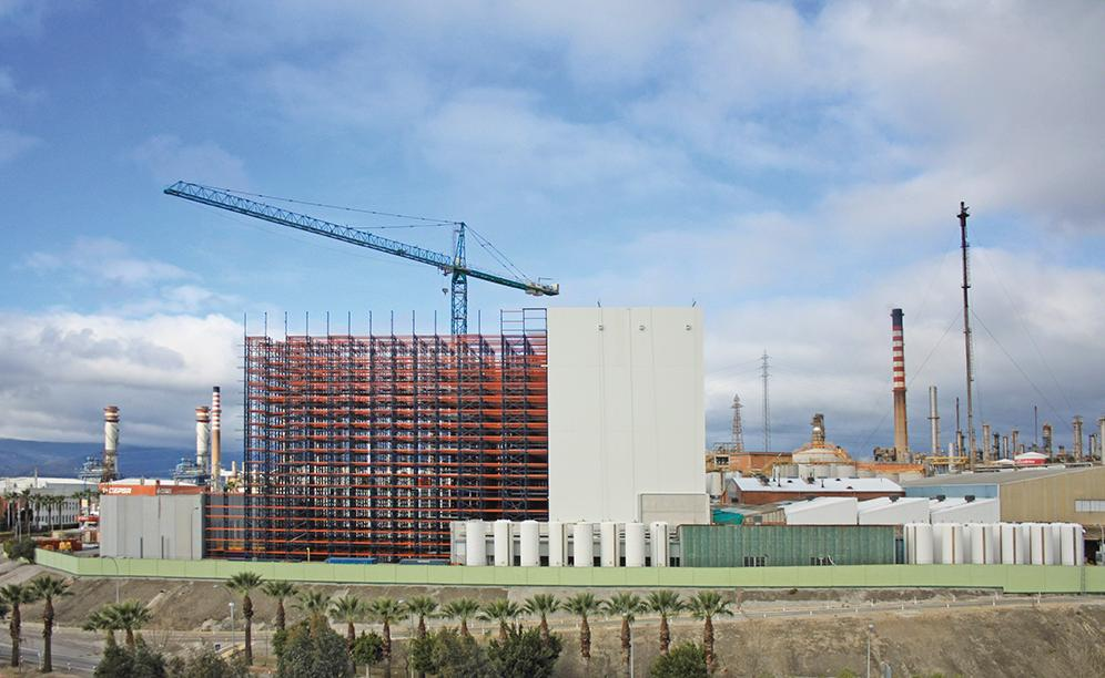 Mecalux builds Cepsa a 37-metre tall automated warehouse with capacity for more than 28,000 pallets
