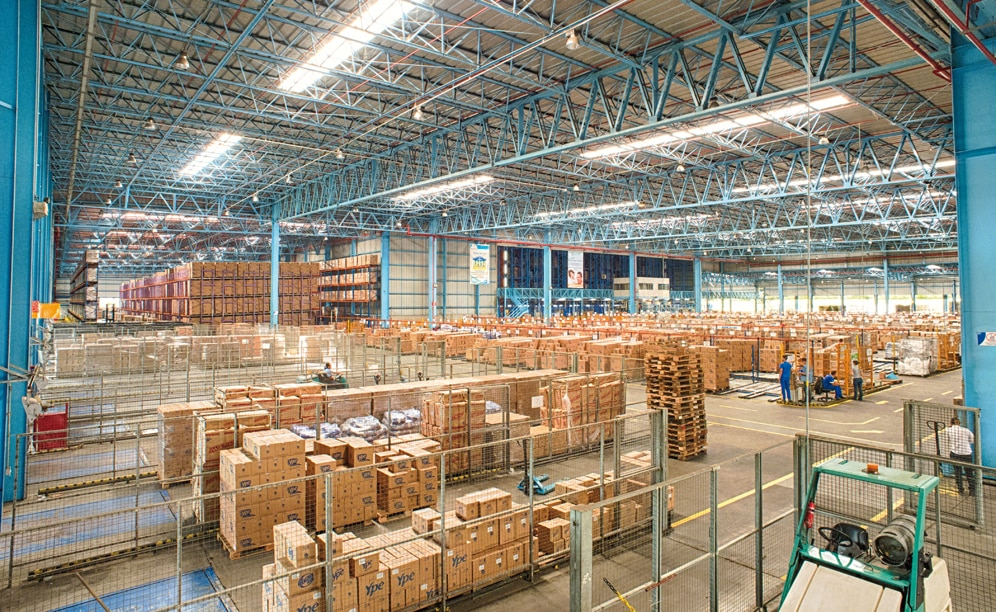 The clad-rack warehouse of Ypê enables them to locate 24,168 pallets